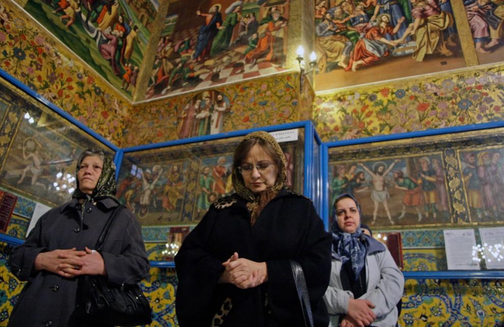 s i34 10107418 990x642 Заглянем в Иран
