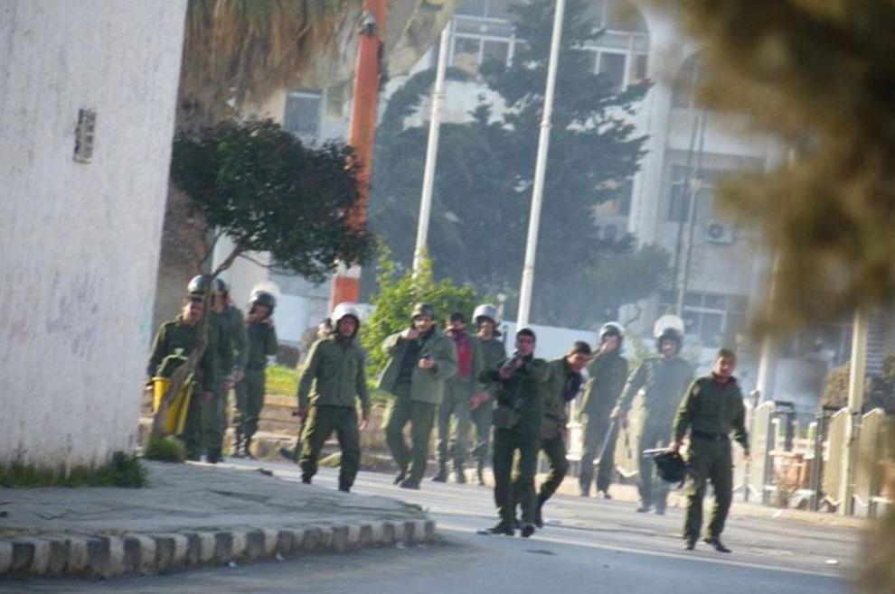 s s13 RTR2VRCM 990x658 Беспорядки в Сирии