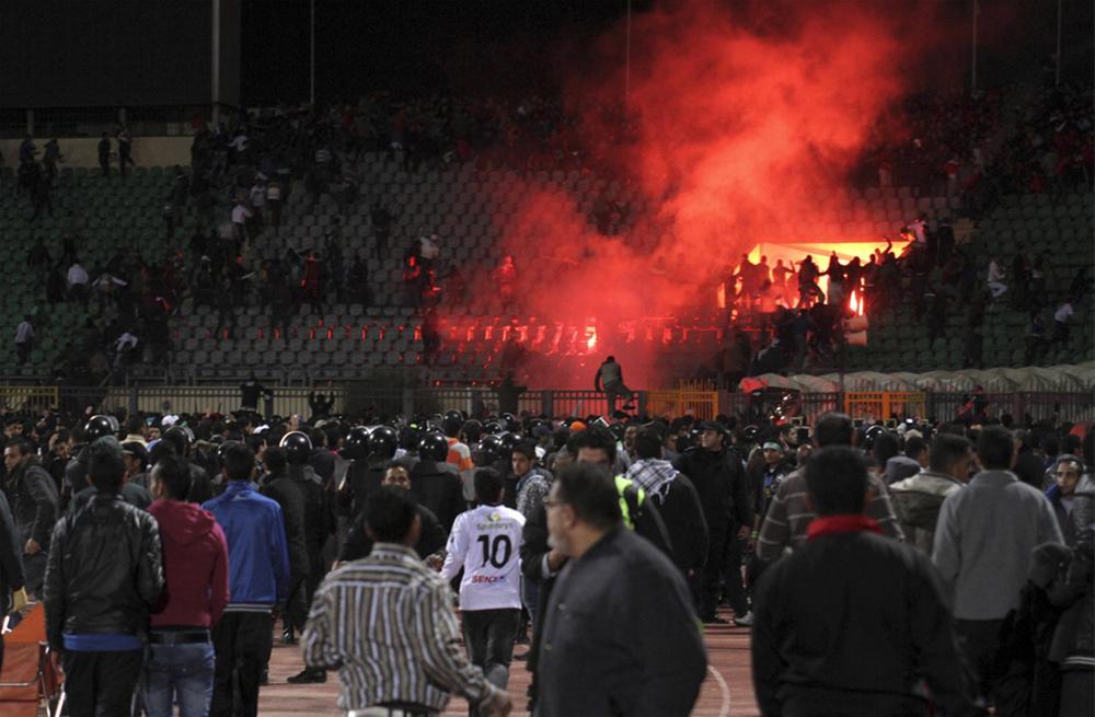 0000323656 Футбол в Египте: бойня на стадионе в Порт Саиде