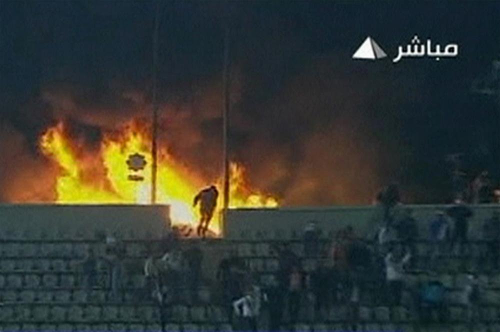 0000323657 Футбол в Египте: бойня на стадионе в Порт Саиде