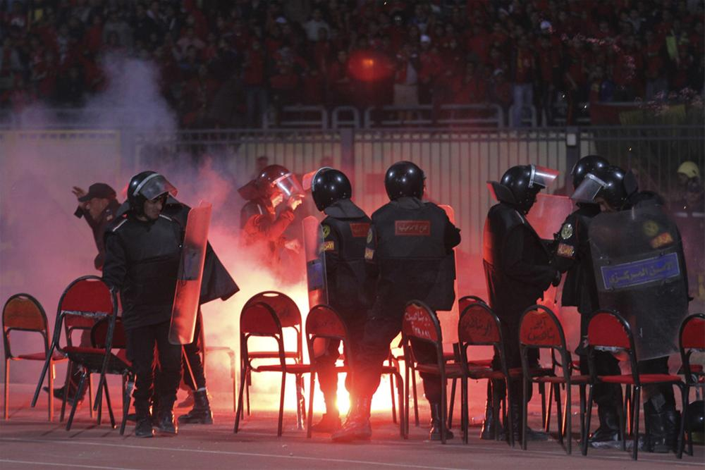 0000323658 Футбол в Египте: бойня на стадионе в Порт Саиде
