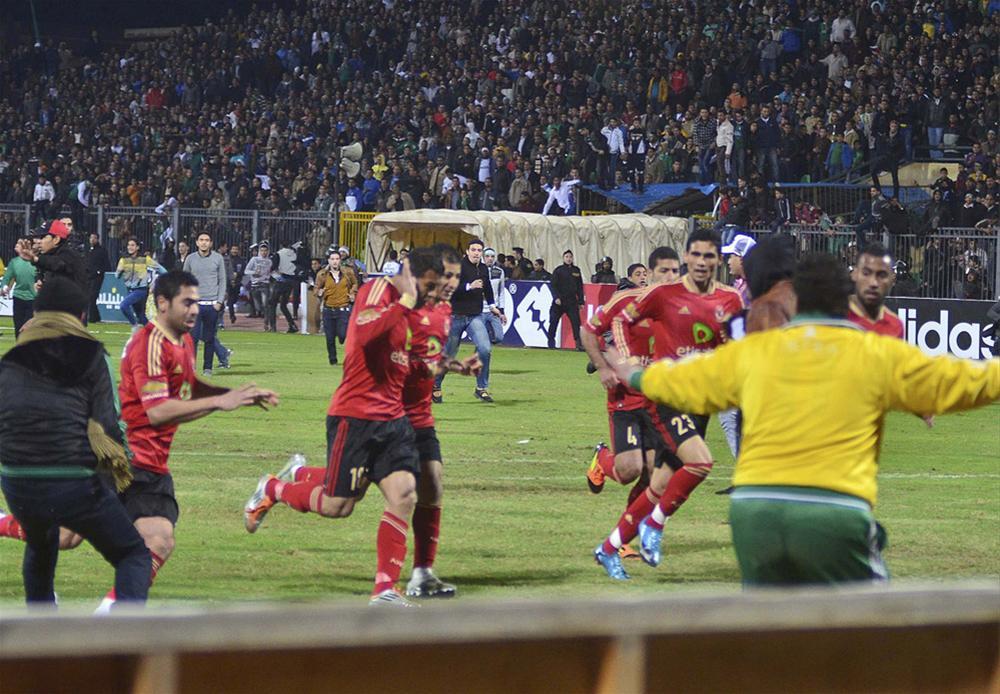 0000323661 Футбол в Египте: бойня на стадионе в Порт Саиде