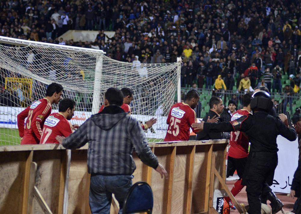 0000323662 Футбол в Египте: бойня на стадионе в Порт Саиде