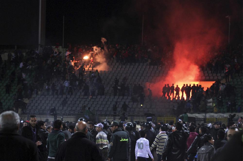 0000323663 Футбол в Египте: бойня на стадионе в Порт Саиде