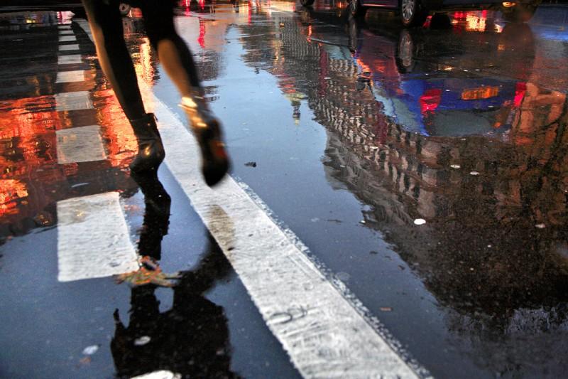 0027 800x533 Париж под дождем. Фотограф Кристоф Жакро