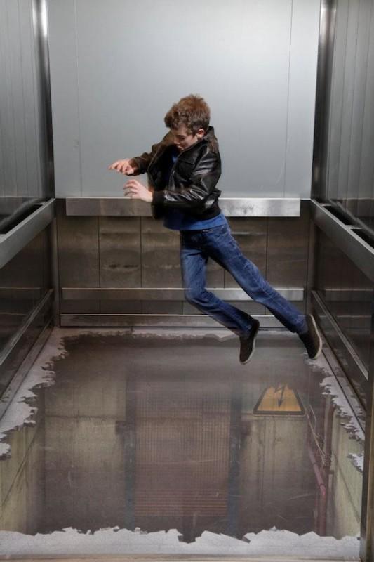 00314 533x800 Лифт без дна в Лондоне