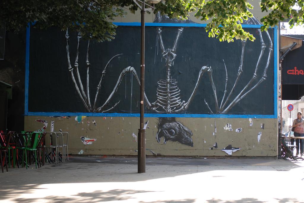 03800000 Животный стрит арт от бельгийского граффитчика ROA