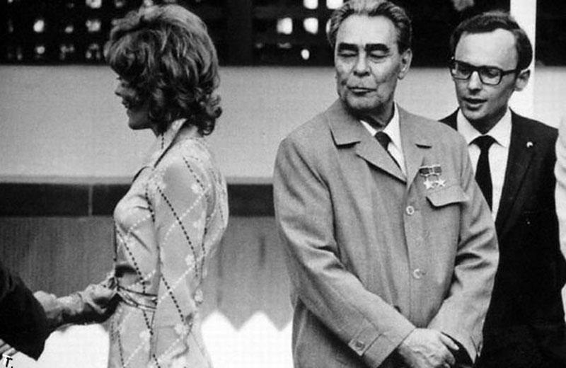 0414 10 любопытных фактов про поцелуи Брежнева