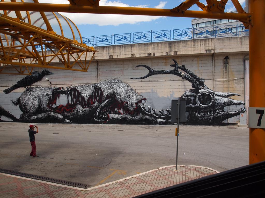 04800000 Животный стрит арт от бельгийского граффитчика ROA