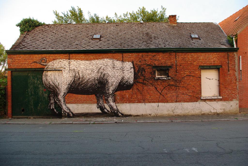 05900000 Животный стрит арт от бельгийского граффитчика ROA