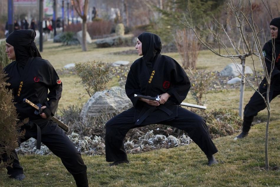 10103 Иранские женщины ниндзя