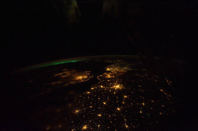 10106 Ночные города. Вид из космоса.