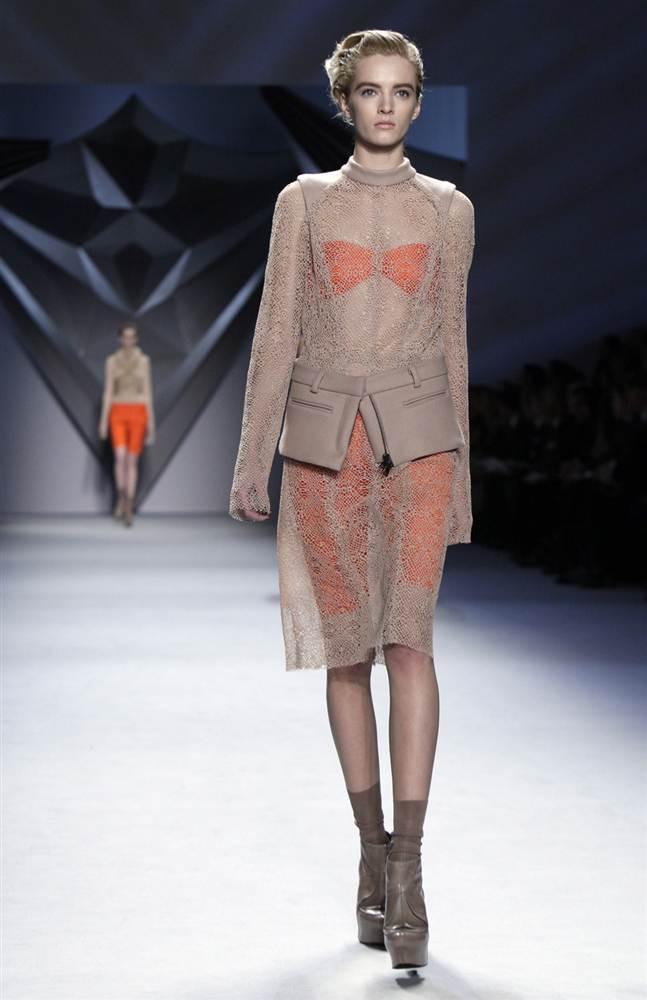 10119 Странные наряды на Нью йоркской неделе моды