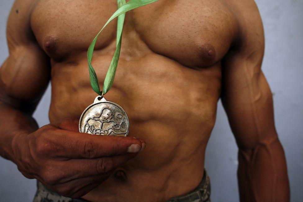1041 Соревнования по бодибилдингу с разных странах мира