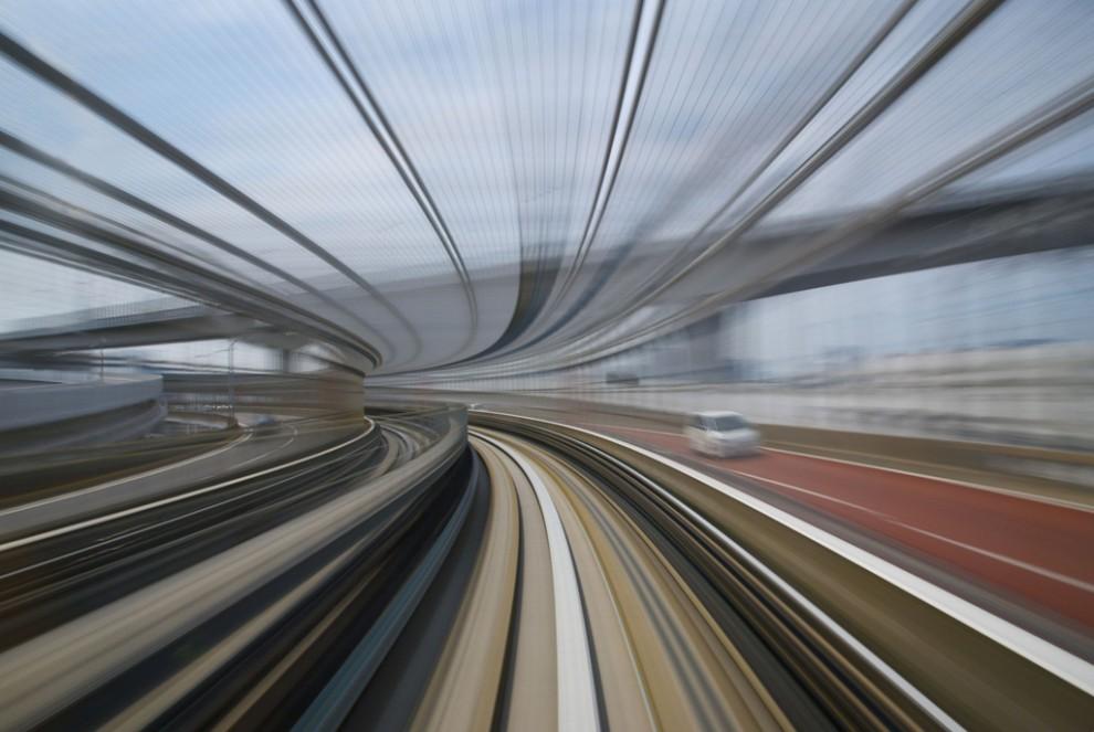 105 990x663 Японские поезда: Как поймать скорость?