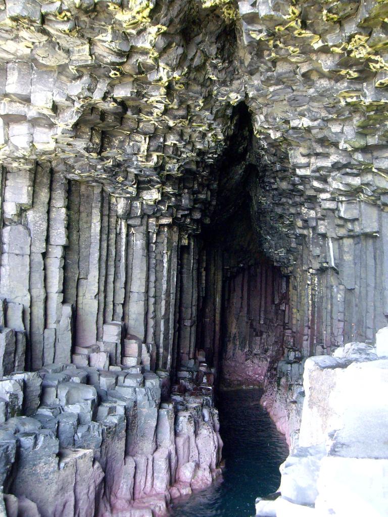 1095484472 845e064b8b b Поющая пещера Фингала