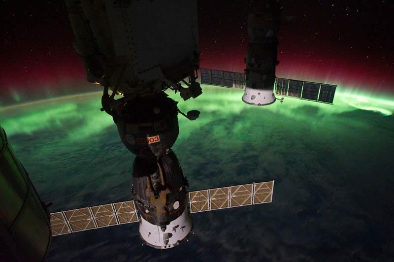 1104 Ночь на планете: 30 фото из космоса