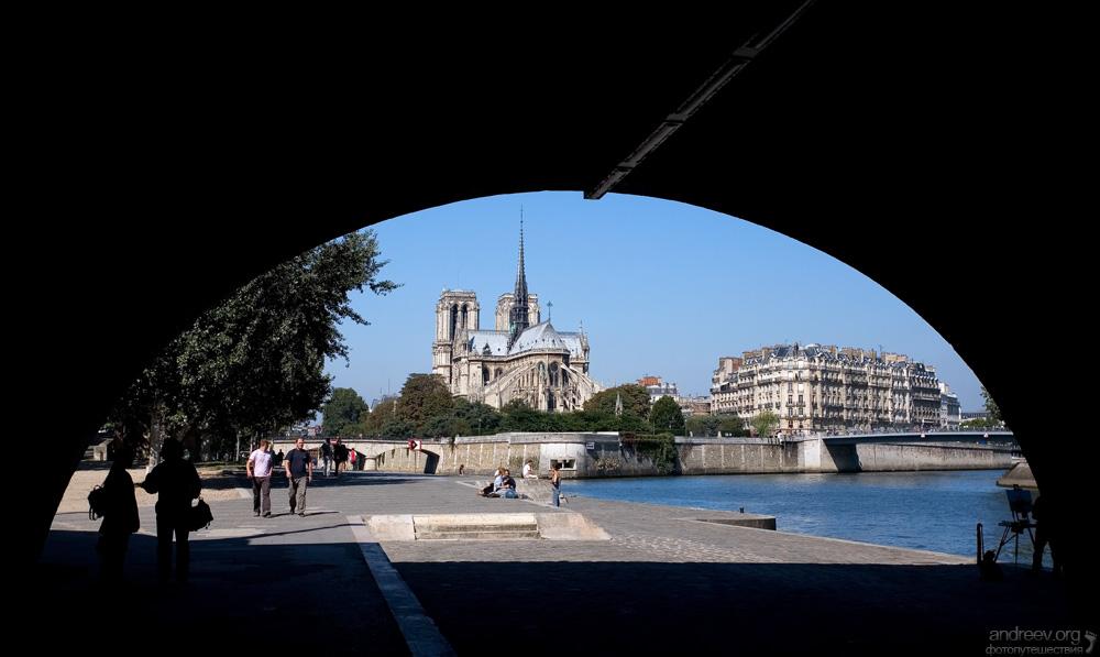 1108 Париж: уличная жизнь