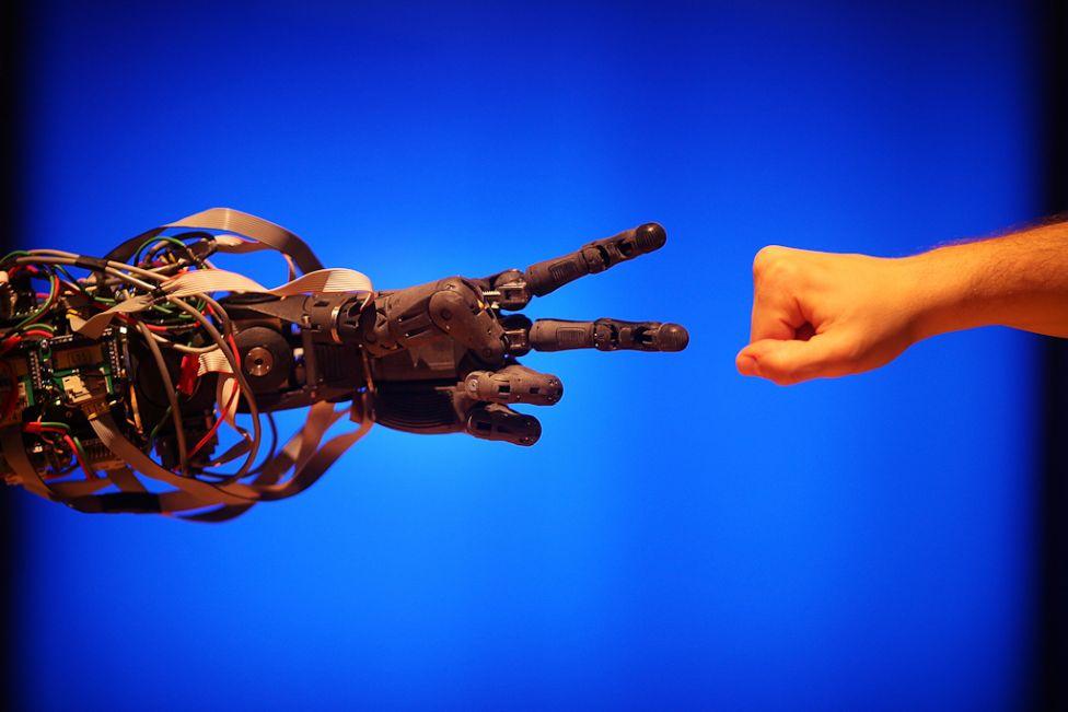 1178 Стирая границу между роботом и человеком