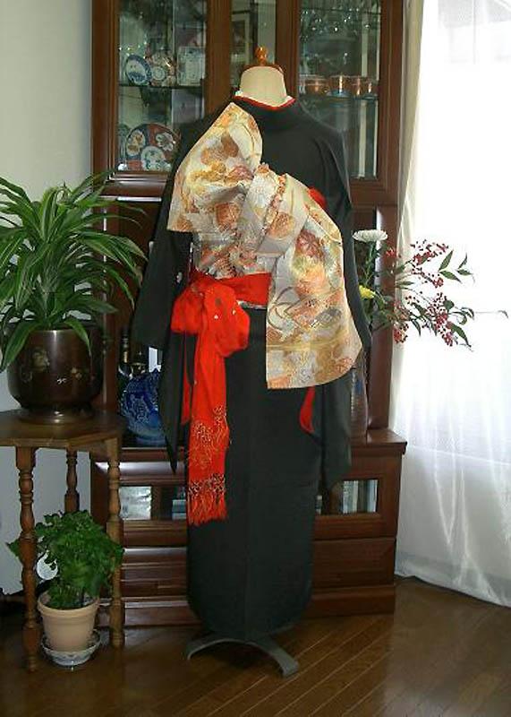 12134 Свадебные кимоно конца 19   начала 20 века