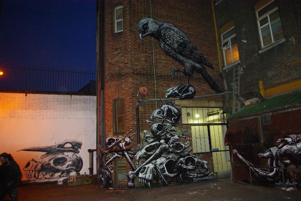 13900000 Животный стрит арт от бельгийского граффитчика ROA