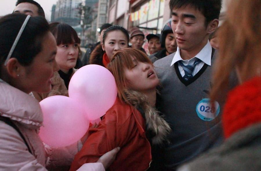 14111 Конкурс на самый долгий поцелуй в Китае: страсть до потери сознания