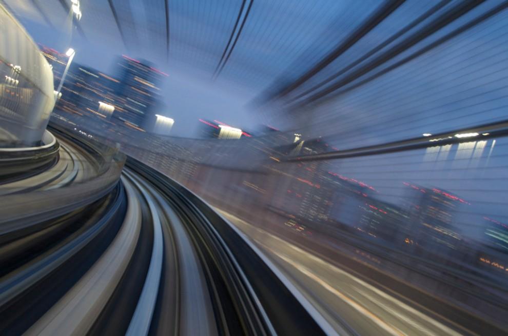 145 990x655 Японские поезда: Как поймать скорость?