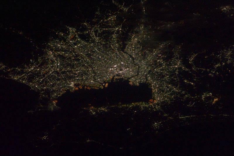 1493 Ночные города. Вид из космоса.