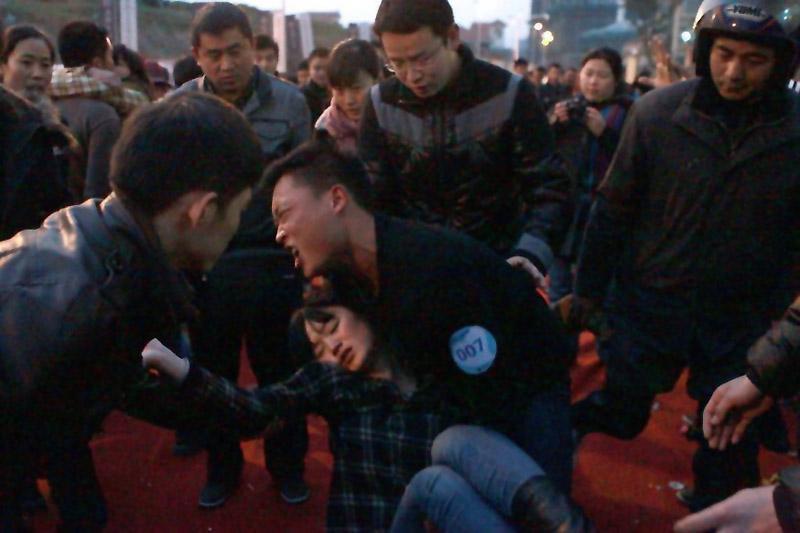 15104 Конкурс на самый долгий поцелуй в Китае: страсть до потери сознания