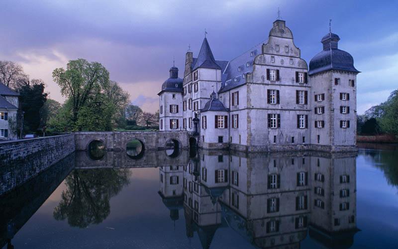 1634 Замки на воде или 20 самых красивых замковых рвов в мире