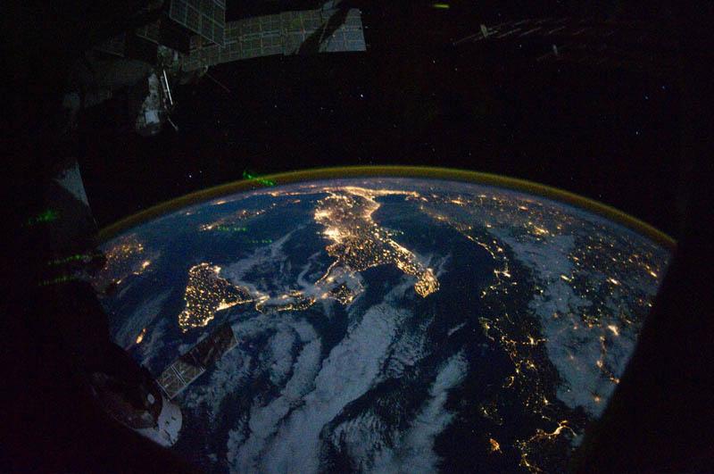 1681 Ночные города. Вид из космоса.