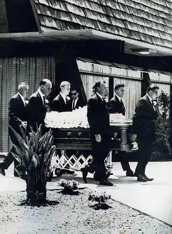 1925 Сидней Гиларов   стилист по прическам Золотой эры Голливуда