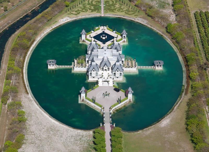2028 Замки на воде или 20 самых красивых замковых рвов в мире