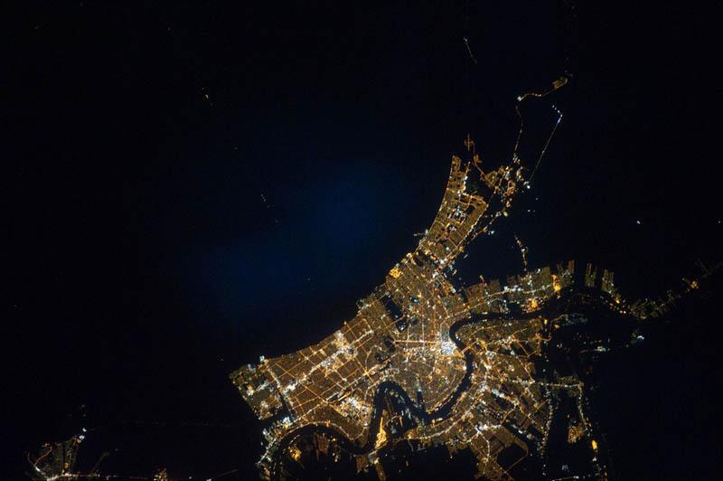 2062 Ночные города. Вид из космоса.