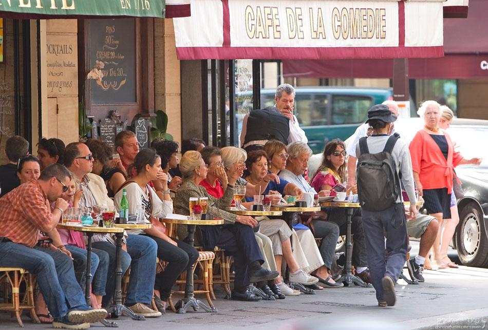 2216 Париж: уличная жизнь