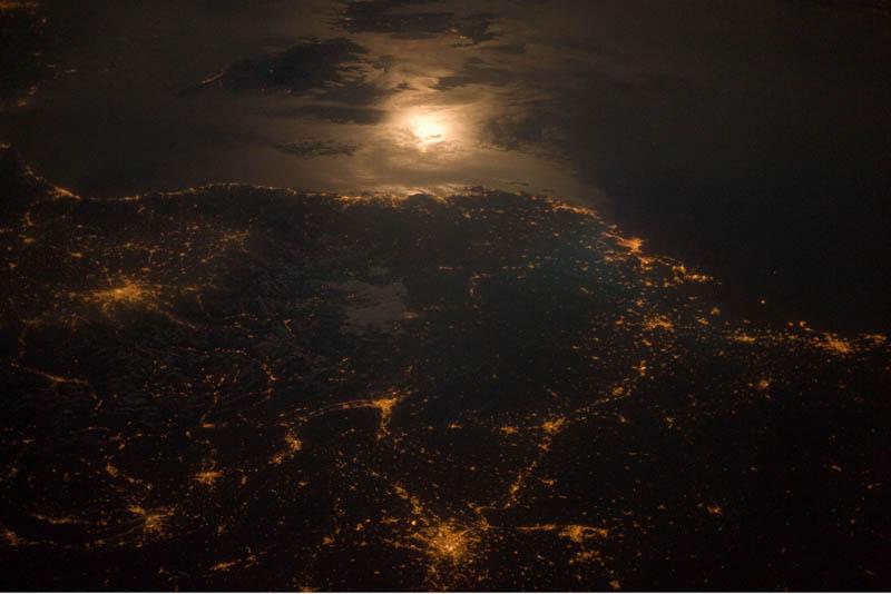 2277 Ночные города. Вид из космоса.