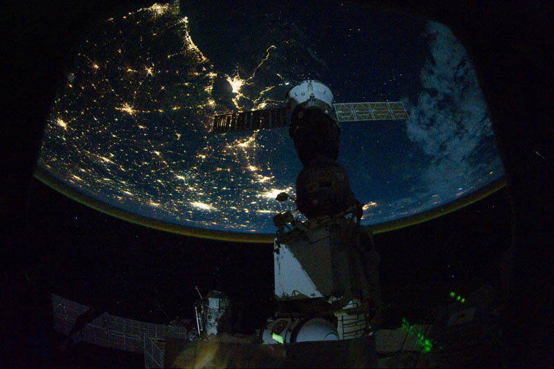 2278 Ночные города. Вид из космоса.