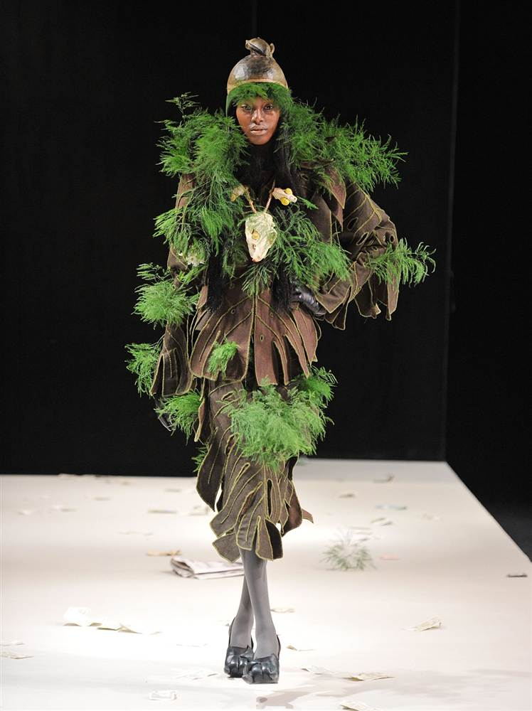 2297 Странные наряды на Нью йоркской неделе моды