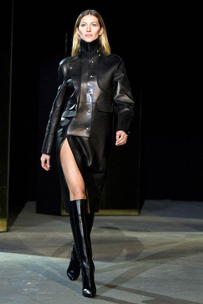 2328 Странные наряды на Нью йоркской неделе моды