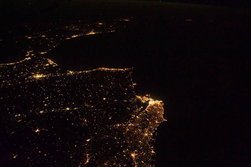 2357 Ночные города. Вид из космоса.