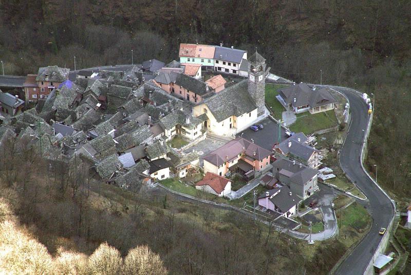 2376 Итальянская деревня строит гигантское зеркало, чтобы не оставаться без света 83 дня