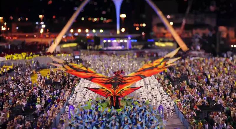 2406 Бразильский карнавал в тилт шифт объективе