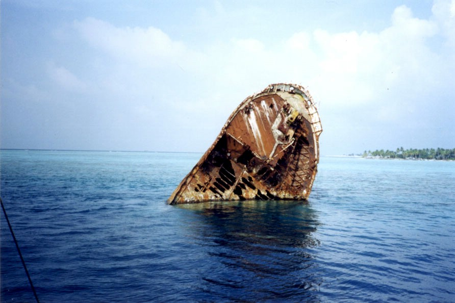 2438 Живописные последствия кораблекрушений