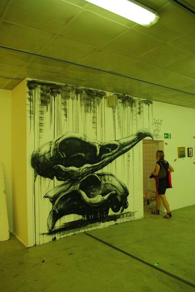 24800000 Животный стрит арт от бельгийского граффитчика ROA