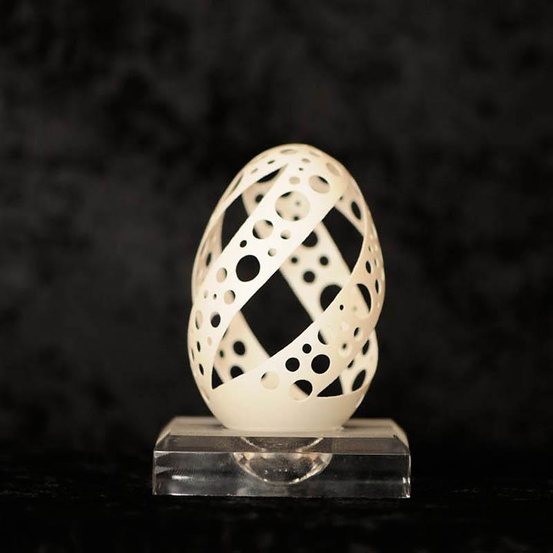 2534 Ажурные шедевры: Резная яичная скорлупа от Брайан Бэйти