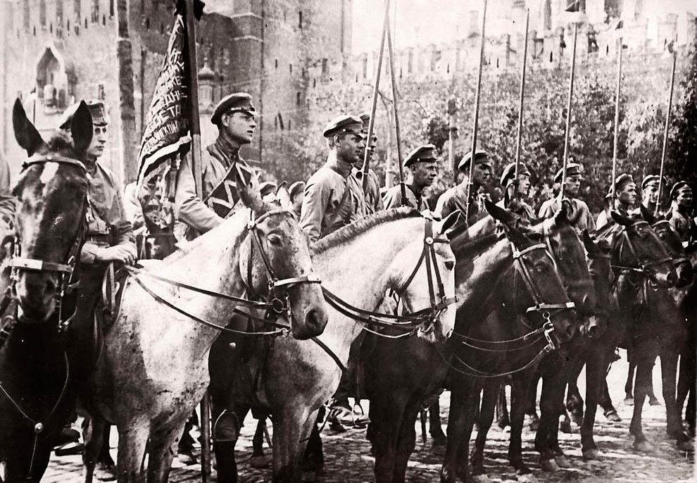 2543 Россия во мгле: 1921 1923 годы глазами западных фотокорреспондентов