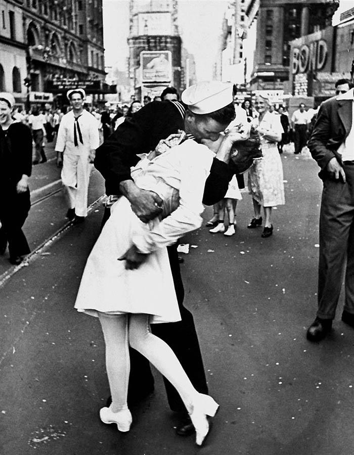 2547 Cамые известные поцелуи