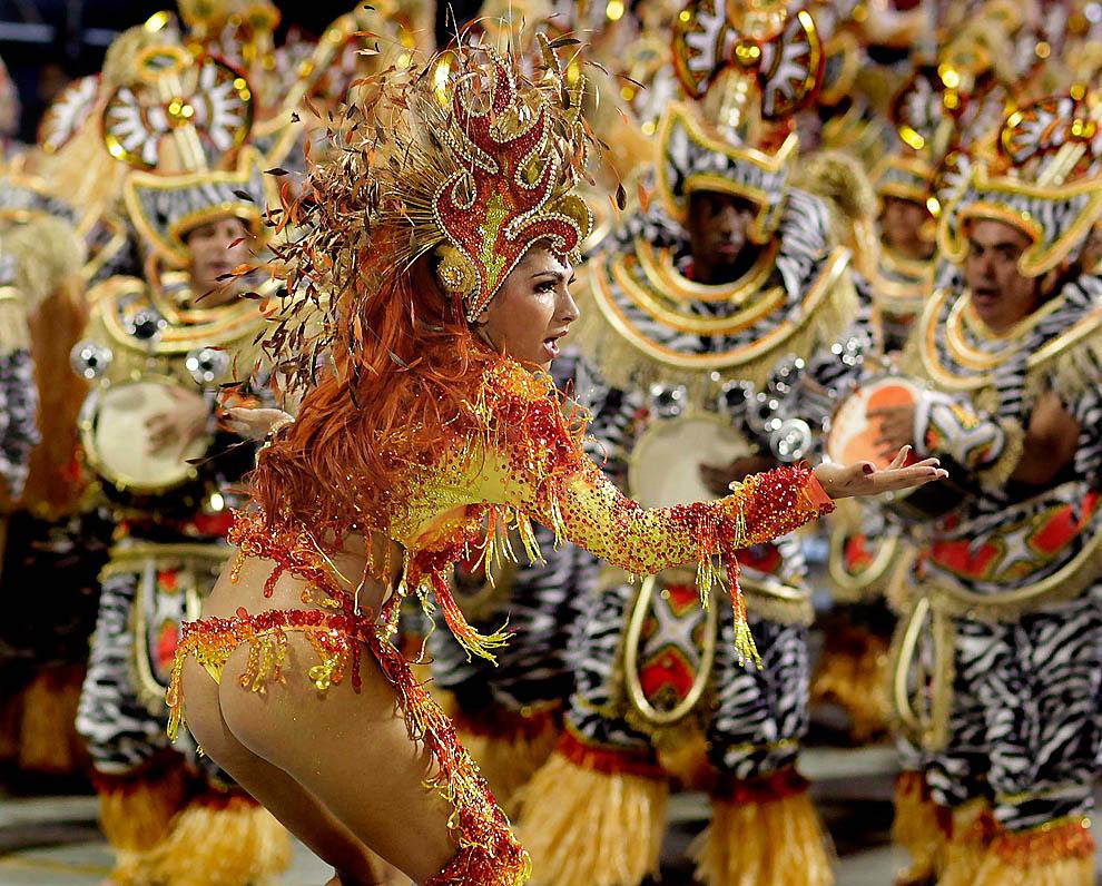 2554 Карнавал в Рио 2012