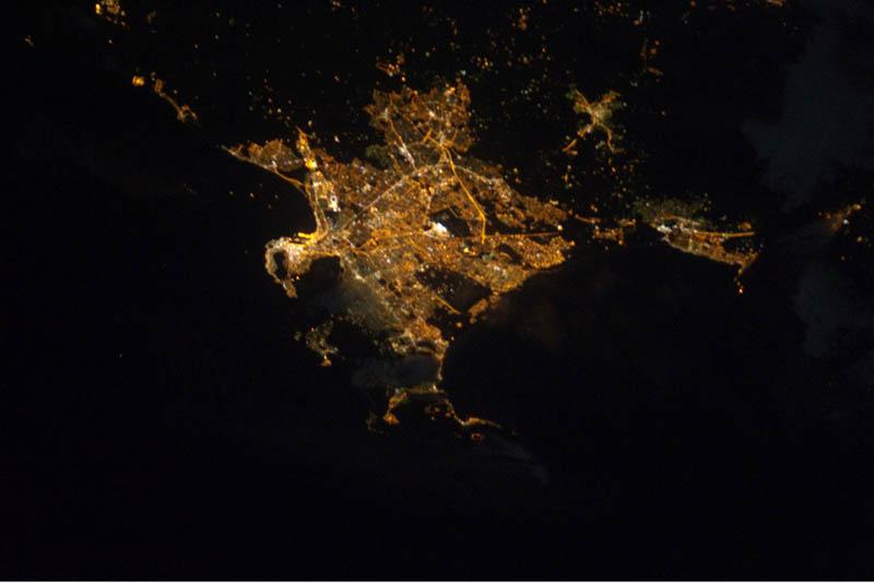 2610 Ночь на планете: 30 фото из космоса