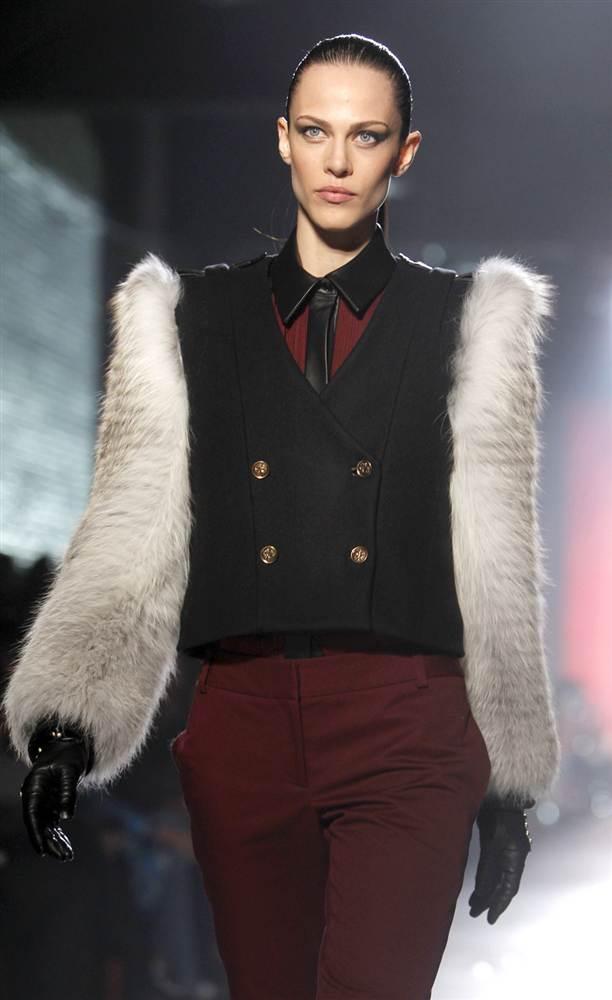 2616 Странные наряды на Нью йоркской неделе моды